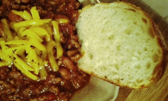 Chili with Bread