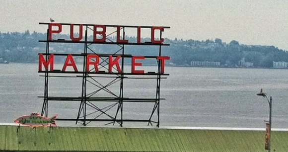 pike public market sign